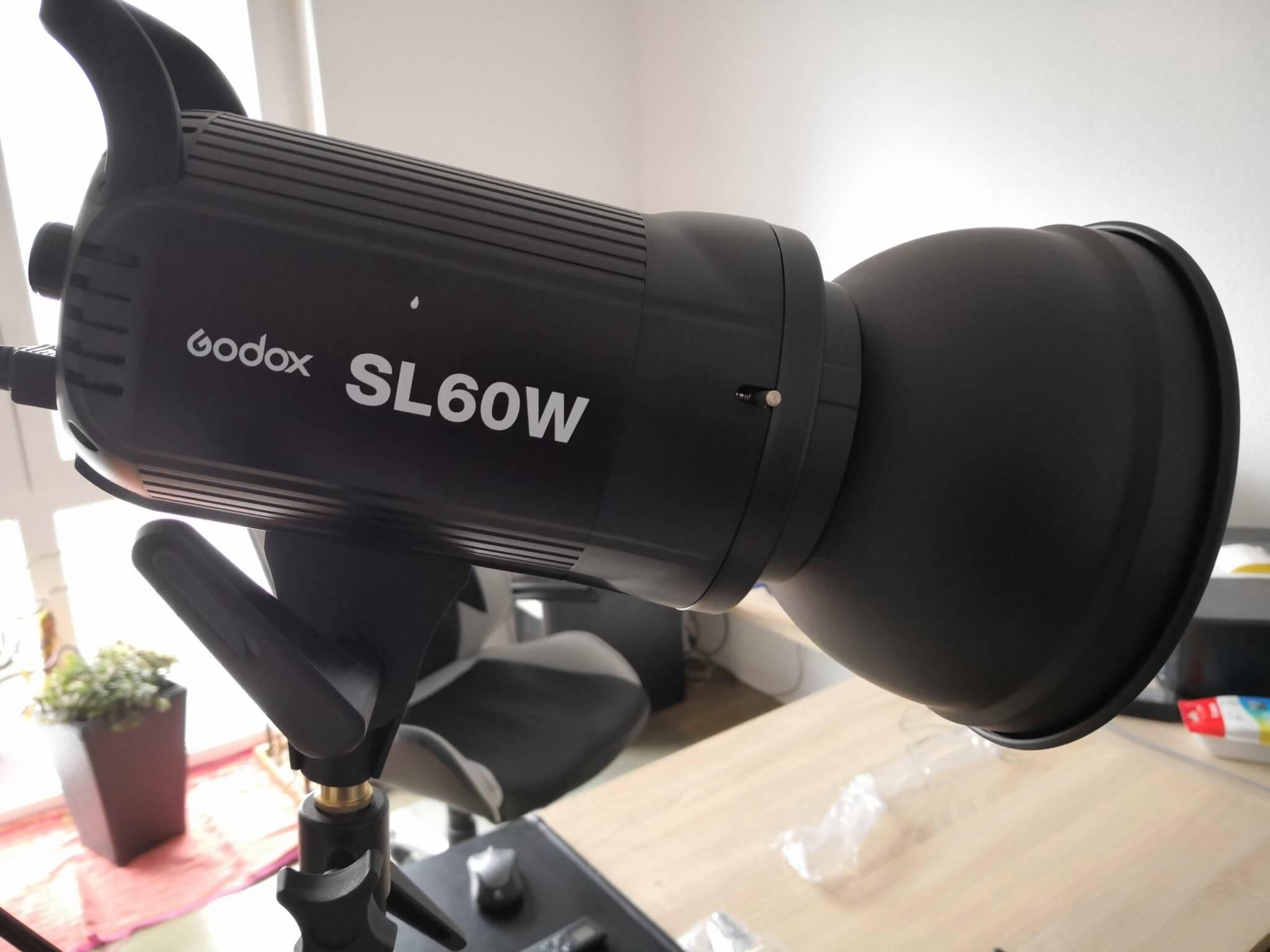 Neewer NL 660 vs. Godox SL 60W